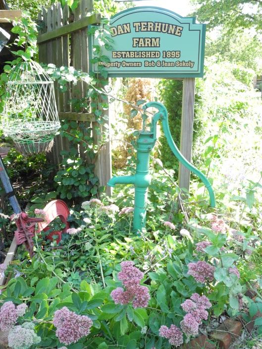 the sign and water pump at Dan Terhune Farm