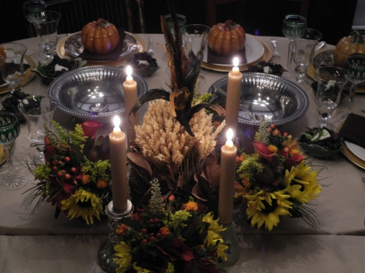 Thanksgiving table setiing tablescape