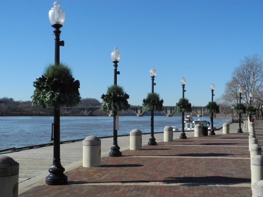 Potomac River walkway