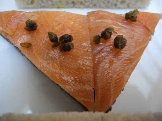 Salmon sandwich with fried Capers
